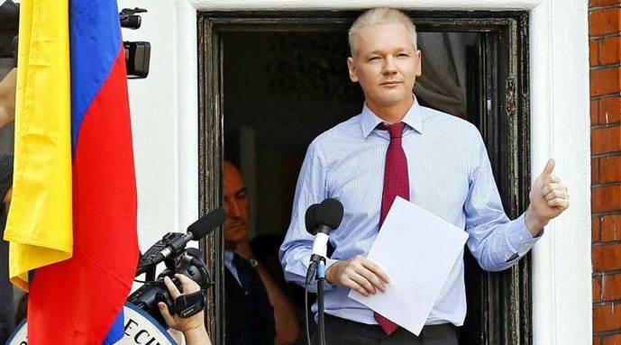 Julian Assange dispuesto a ser extraditado a EEUU si indultan a Manning