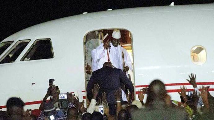 Expresidente gambiano Yahya Jammeh al exilio tras 22 años de poder