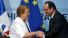 Hollande y Bachelet firman acuerdos de cooperación entre sus países