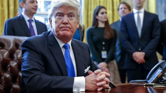 Trump prohíbe a la Agencia de Protección Medioambiental informar a prensa