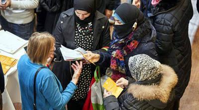 UE debate medidas más duras contra inmigrantes