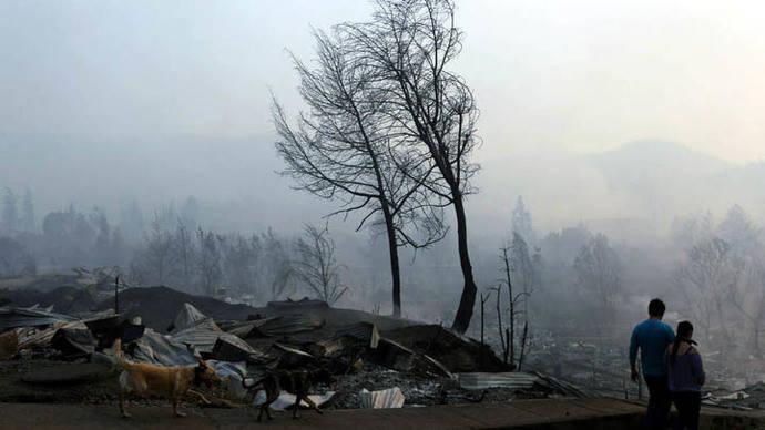 Ya son al menos nueve los muertos por los incendios forestales en Chile