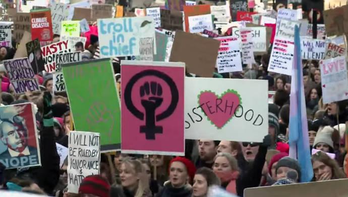 Cientos de miles de mujeres de todo el mundo marchan contra Trump