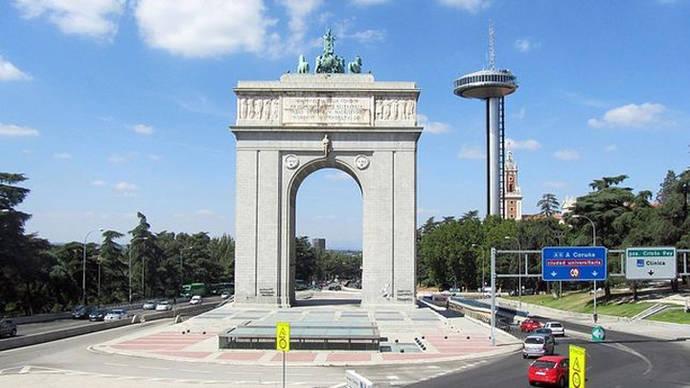 El Comisionado de la Memoria de Madrid propone renombrar el Arco del Triunfo como Arco de la Memoria