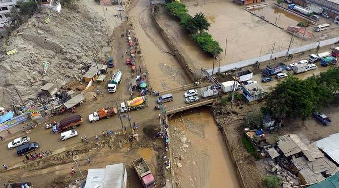Inundaciones por lluvias dejan ya 23 muertos y 72.000 afectados en Perú