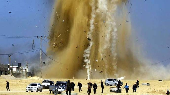 Israel ataca zonas de Hamas como represalia por cohete lanzado desde Gaza