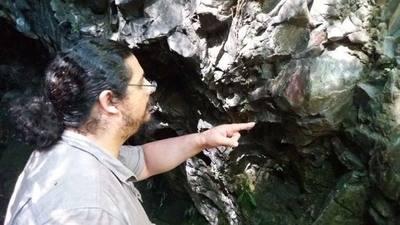 Antiguos canoeros del sur de Chile dejaron pinturas rupestres en Chaitén