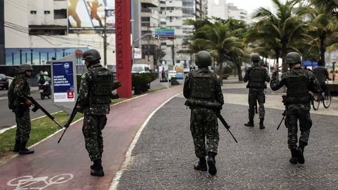 Ejército brasileño envía paracaidistas y blindados a Espírito Santo