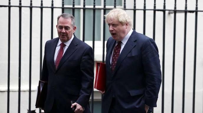 Ministro de Exteriores británico renuncia a ciudadanía estadounidense