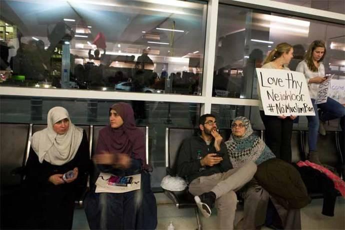 Siete casos de ciudadanos europeos que no podrán entrar en EEUU tras las medidas migratorias de Trump