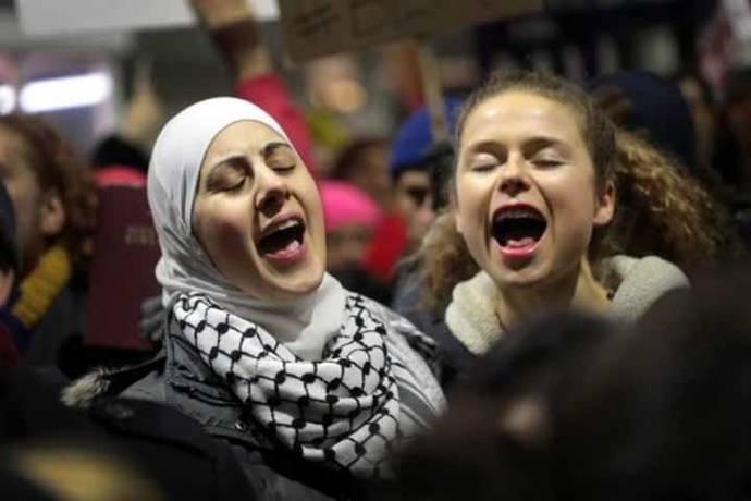 Gobiernos árabes empiezan a alzar la voz por veto de Trump de viajar a EE. UU.