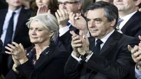 El candidato presidencial de la derecha francesa, François Fillon y su esposa