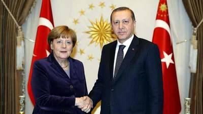La canciller alemana Angel Merkel y el presidente turco, Recep Tayyip Erdogan (imagen de archivo)