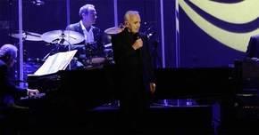 Charles Aznavour emociona en su concierto en el Palacio de los Deportes de Madrid