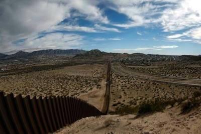 Gobierno Trump: Muro fronterizo con México debería estar listo en dos años