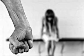 Despenalización de la violencia doméstica en Rusia inquieta a víctimas y asociaciones