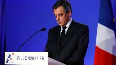 El candidato conservador a la presidencia de Francia François Fillon