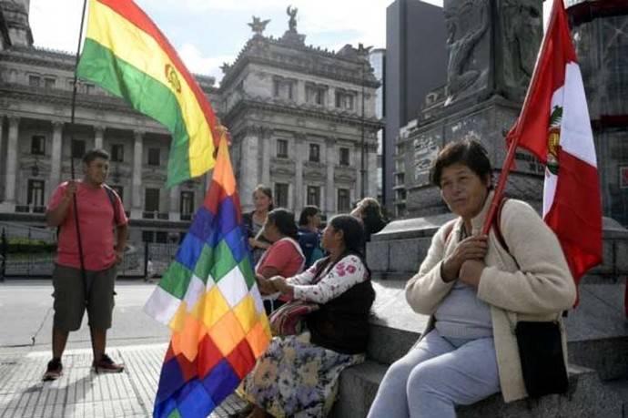 Inmigrantes en Argentina protestan contra decreto migratorio de Macri
