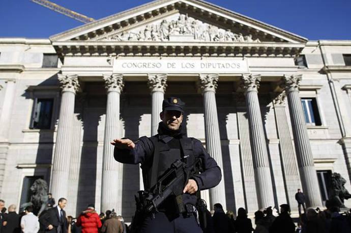 Ley mordaza: multas de 600 euros por darle al