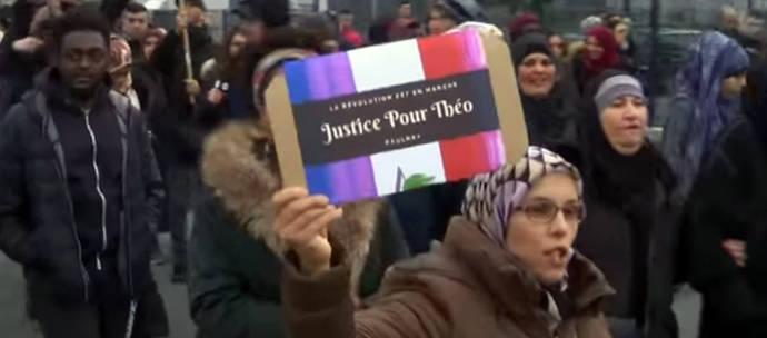 Imagen de una de las protestas, en un suburbio de París, posteriores al incidente
