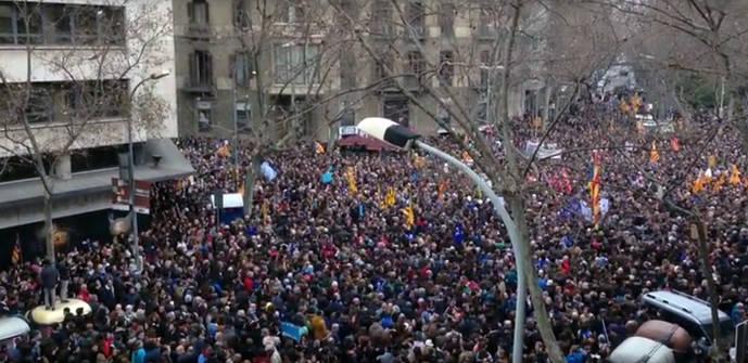 Barcelona acoge la manifestación 'más grande de Europa' a favor de los refugiados