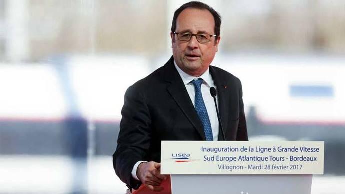 Policía dispara por error durante discurso de Hollande y deja dos heridos