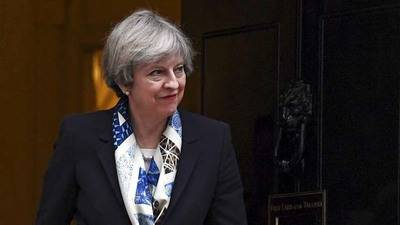 Diputados piden a May que garantice