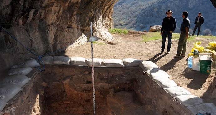 La Fundación Atapuerca participa en el descubrimiento de evidencias culturales de humanos modernos fuera de África