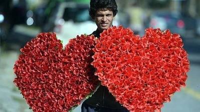 Pakistán prohíbe celebrar San Valentín en su capital