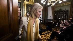 Oficina de Ética de EEUU pide a Casa Blanca sancionar a asesora de Trump