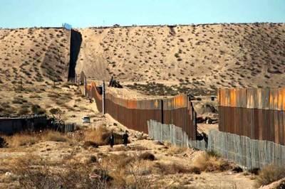 La valla fronteriza que ya existe en la frontera con Ciudad Juárez.