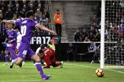 Con James de titular, el Real Madrid cayó ante Valencia