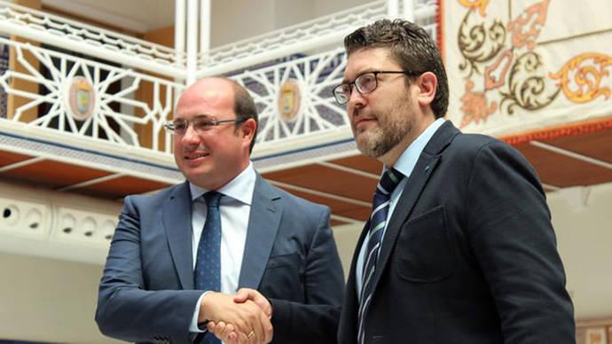 Ciudadanos se cita con el PSOE para tratar la moción de censura en Murcia