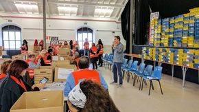 Imagen de los voluntarios en la Nave de Terneras