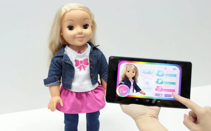 Esta muñeca ha sido prohibida en Alemania por espiar a los niños