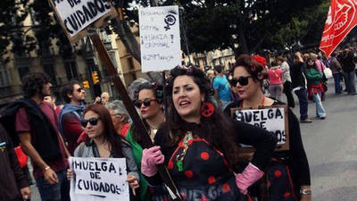 Participantes en una huelga de cuidados en Málaga