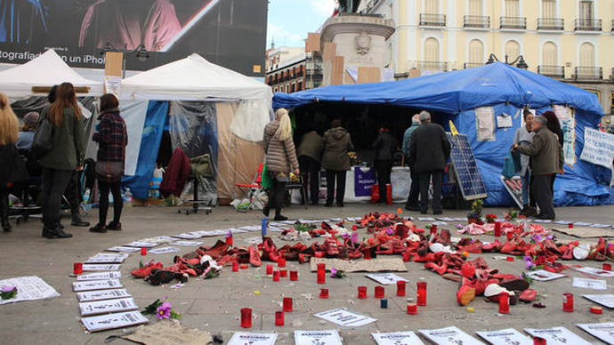Las mujeres de la Puerta del Sol finalizan la huelga de hambre tras casi un mes
