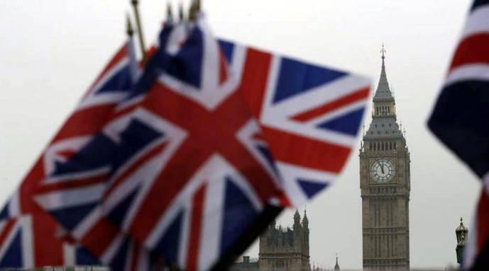 Reino Unido prohibirá a diputados contratar a familiares con dinero público