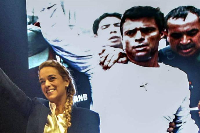 Lilian Tintori denuncia que Gobierno de Ecuador le impidió entrar al país