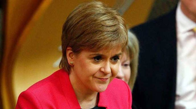 Theresa May rechaza un eventual referendo independentista en Escocia