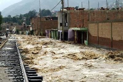 """Pastor evangélico de Perú culpa a la """"ideología de género"""" por las inundaciones en el país"""