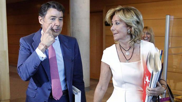 El expresidente de la Comunidad de Madrid, Ignacio González, y la portavoz del PP en el Ayuntamiento, Esperanza Aguirre