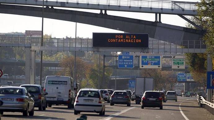 Madrid prohibirá la circulación de los coches más contaminantes por todas sus calles desde 2025
