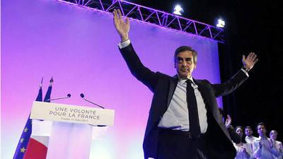 15 personas multadas por un cacerolazo en contra de François Fillon