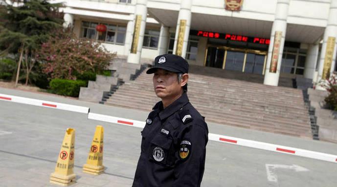 Enfrentamientos en China por instalación de cámaras en iglesias