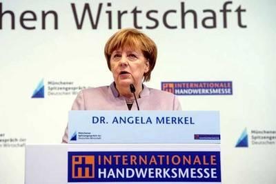 Merkel considera aberrantes acusaciones del presidente turco