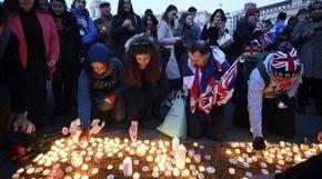 Londinenses rindieron homenaje a las víctimas del atentado