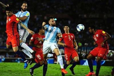 Clasificatorias Rusia 2018: Argentina 1 Chile 0