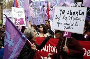 Justicia argentina absuelve a Belén, una mujer que estuvo dos años presa por aborto
