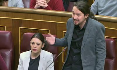 Iglesias se dirige a Rajoy en la sesión de control